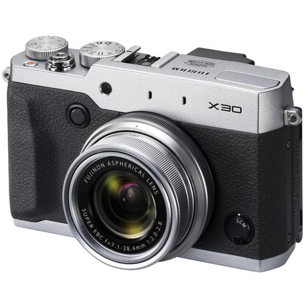 Фотоаппарат компактный FujifilmЦифровые компактные фотоаппараты<br>Тип матрицы: X-Trans CMOS II,<br>Кабель USB: в комплекте,<br>Карта памяти: доп.опция,<br>Стабилизатор изображения: оптический,<br>Видоискатель: электронный,<br>Разрешение видоискателя: 2360000 Пикс,<br>Алгоритм сжатия MOV: Да,<br>Распознавание: лиц,<br>Базовый цвет: серебристый,<br>Фокусное расстояние: 7.1 - 28.4 мм,<br>Качество видеосъемки: FullHD (1920x1080 Пикс),<br>Диапазон ISO: 100 - 12800,<br>Используемая оптика: Fujinon Aspherical Lens,<br>Ремень на плечо: в комплекте,<br>Гарантия: 2 года,<br>Поворотный дисплей: Да,<br>Страна: КНР<br>