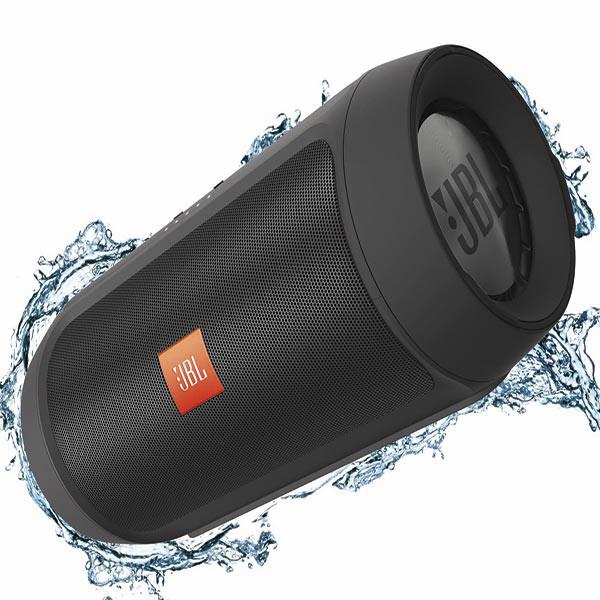 Беспроводная акустика JBLБеспроводная акустика<br>Блок питания: в комплекте,<br>Материал корпуса: пластик,<br>Работа от аккумулятора: до 12 часов,<br>Брызгозащитный корпус: Да,<br>Гарантия: 1 год,<br>Вес: 600 г,<br>Встроенный модуль Bluetooth: Да,<br>Тип беспроводных колонок: Bluetooth,<br>Питание от сети 220 В: Да,<br>Кабель USB: в комплекте,<br>Кабель аудио 3.5 мм - 3.5 мм: доп.опция,<br>Страна: КНР,<br>Вход 3.5 мм аудио: 1,<br>Габаритные размеры (В*Ш*Г): 7.9*18.5 см,<br>Тип аккумулятора: Li-Ion,<br>Громкая связь Bluetooth: Да,<br>Мощность фронтальных АС: 2 x 7.5 Вт<br>