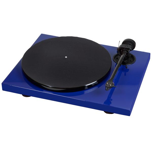 Проигрыватель виниловых дисков Pro-JectПроигрыватели виниловых дисков<br>Регулятор противоскатывания: Да,<br>Регулир. противовес тонарма: Да,<br>Тип головки звукоснимателя: Подвижный магнит,<br>Микролифт: Да,<br>Материал иглы звукоснимателя: алмазная,<br>Материал диска: алюминий,<br>Габаритные размеры (В*Ш*Г): 13*42*34 см,<br>Тип привода 1: ременной,<br>Потребляемая мощность: 4 Вт,<br>Цвет: синий,<br>Макс. давление иглы: 1.8 г,<br>Тип кабеля в комплекте 1: 2 RCA/ 2 RCA аудио,<br>Материал слипмата: фетр,<br>Диаметр диска: 30 см,<br>Скорость проигрывания: 33/45 обор/мин,<br>Тонарм: в комплекте<br><br>Вес кг: 5.5<br>Цвет : синий
