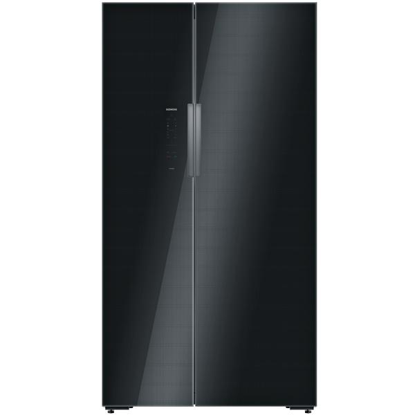 Холодильник (Side-by-Side) SiemensХолодильники Side-by-Side<br>Цвет: черный,<br>Глубина: 73 см,<br>Ширина: 91 см,<br>Высота: 176 см,<br>Вид гарантии: по чеку,<br>Формочки для льда: Да,<br>Тип освещения: светодиодное,<br>Расположение мороз.камеры: боковое,<br>Материал двери: стекло/пластик,<br>Вентилятор для распр. темп.: Да,<br>Базовый цвет: Черный,<br>Разм. мороз. камеры: автомат.(No Frost),<br>Мощность замораживания: 12 кг/сутки,<br>Лёдогенератор: Да,<br>Климатический класс: SN-T,<br>Материал полок: стекло,<br>Режим суперзамораживания : автоматический,<br>Телеск.направляющ.ящиков зоны свежести: Да<br>