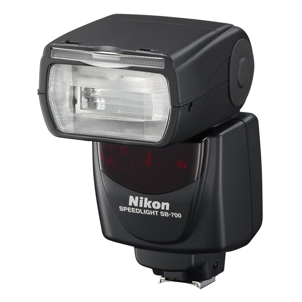 Фотовспышка Nikon SB-700 фотовспышка nikon sb 300